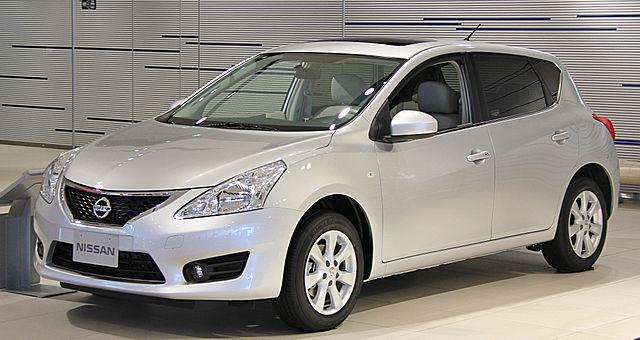 Nissan Tiida 2015 фото