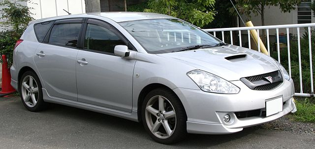 Toyota Caldina фото