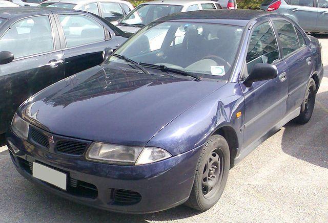 Mitsubishi Carisma фото